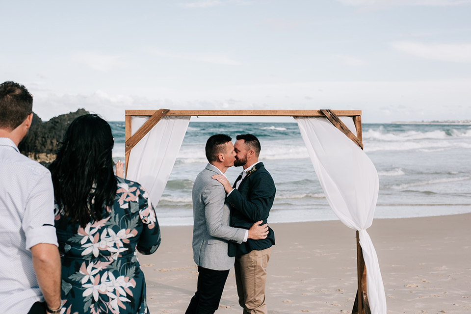 Hitched In Paradise - Tweed Coast Gay Weddings